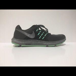 NIKE Women's RUN SWIFT SE Sz 9 Athletic Shoes